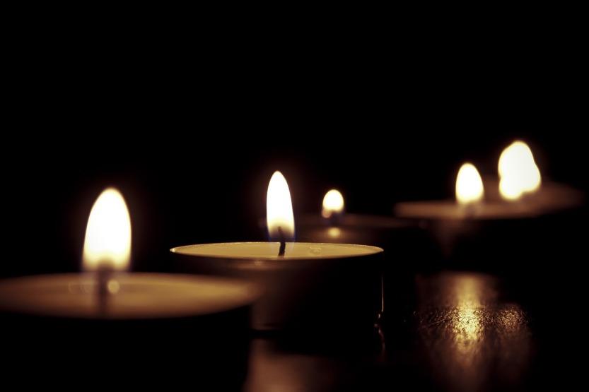 candles-209157_1280.jpg